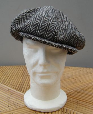 casquette gatsby hanna hats de donegal en tweed chevron gris et marron. Black Bedroom Furniture Sets. Home Design Ideas