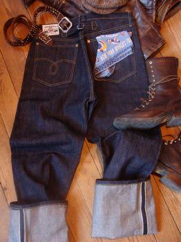 denim_2008_1_paradiramatype1_jeans.jpg